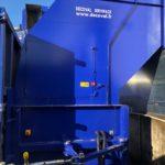 Compacteur à vis pour le traitement des déchets cartons